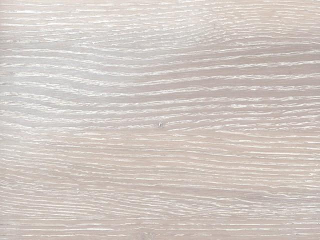 Holzmuster 79 weiß patiniert und mattlackiert mit leichtem Bürsteffekt