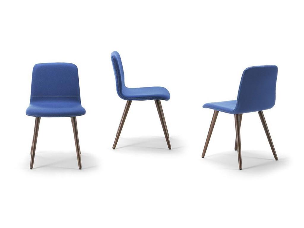 Sedia per sala da pranzo classica con gambe in legno e rivestimento ...